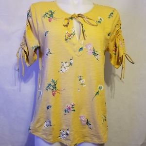 Lucky Brand,yellow floral top,size medium